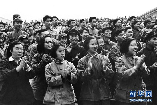 chinese-women-mao-suits