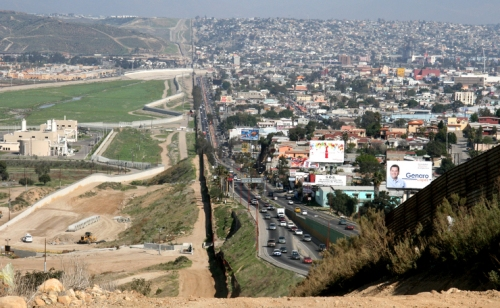 Photo of US/Tijuana border by Kordian from Flickr Creative Commons