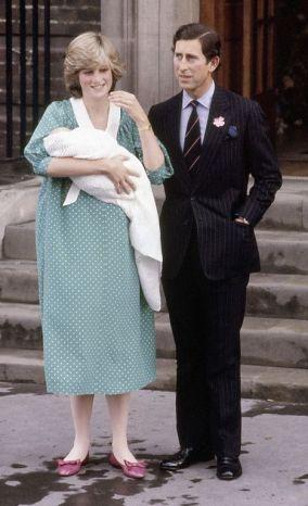 ¿Cuánto mide el Príncipe Carlos? / Prince Charles - Real height Candd2